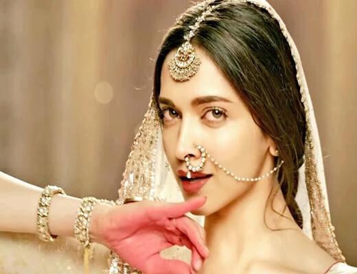 Mohe-Rang-Do-Laal-Lyrics---Bajirao-Mastani---Lyrics-In-Hindi
